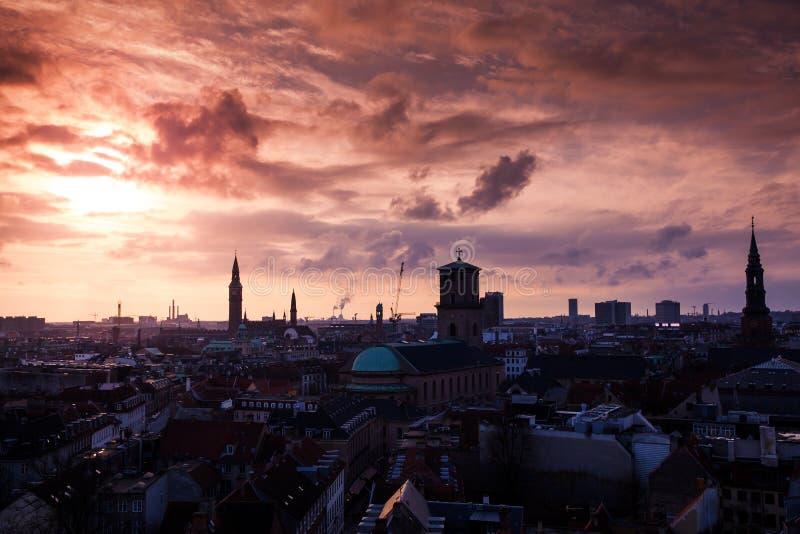 Sylwetki linia horyzontu Kopenhaga, Dani obrazy stock