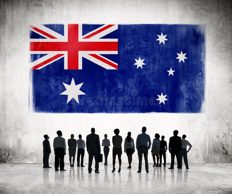 Sylwetki ludzie Patrzeje australijczyk flaga obrazy stock