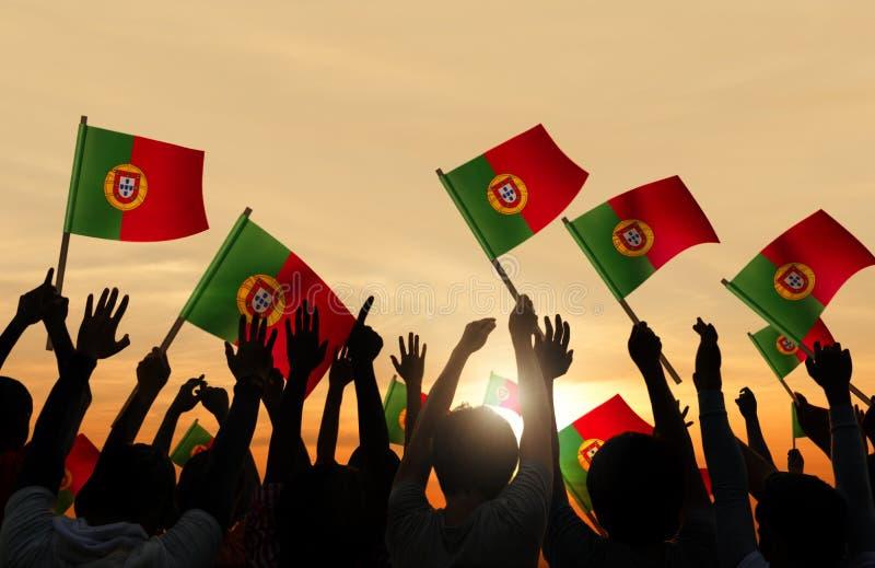 Download Sylwetki Ludzie Trzyma Portugalczyk Flaga Obraz Stock - Obraz złożonej z nacjonalizm, flaga: 41953629