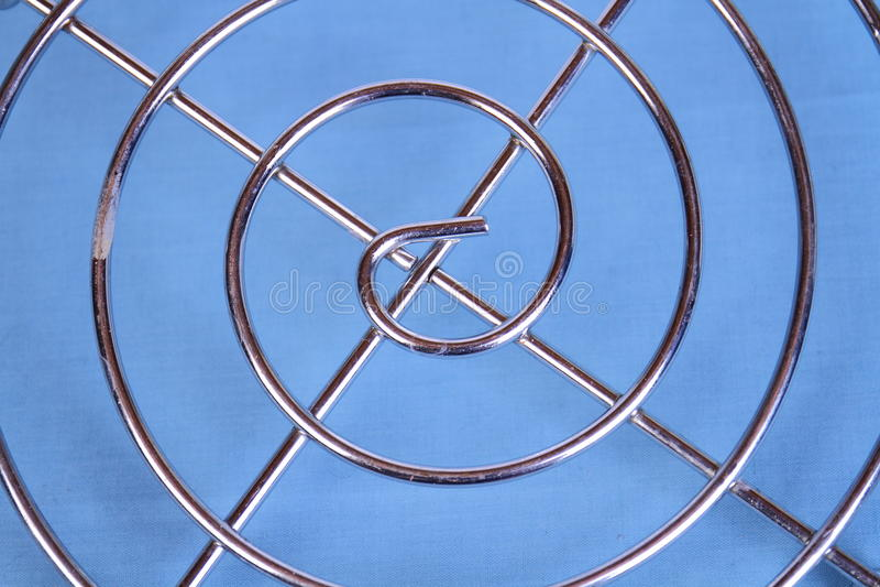Symétrie et modèles sur un fond bleu photographie stock