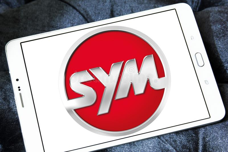 SYM fährt Firmenlogo stockbild