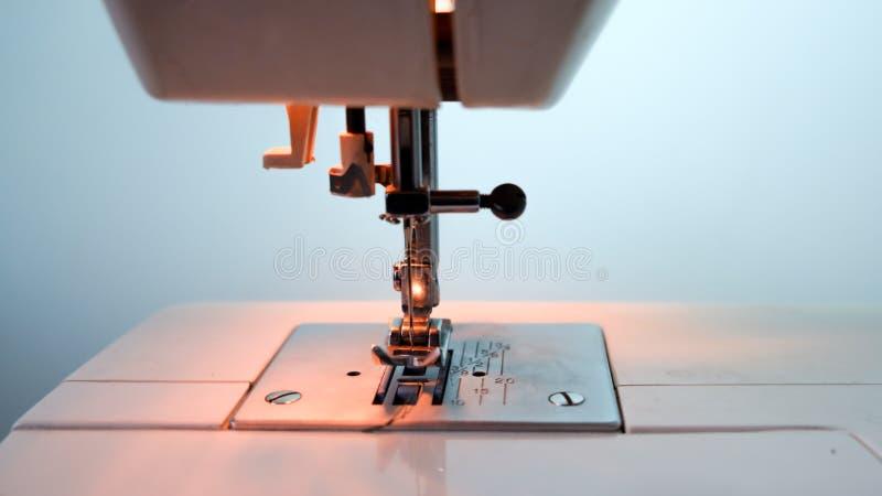 Symaskin och objekt royaltyfri bild