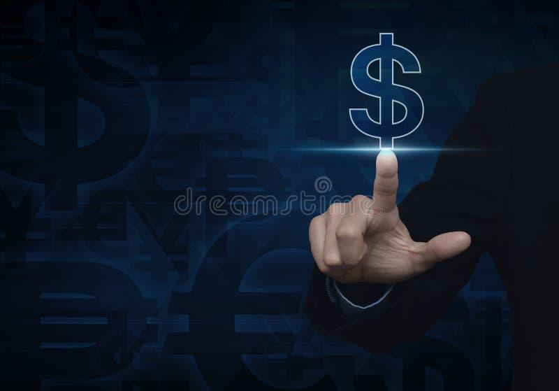 Symbol för valuta för dollar för affärsmanhand driftig på mörker - blå backg royaltyfri bild