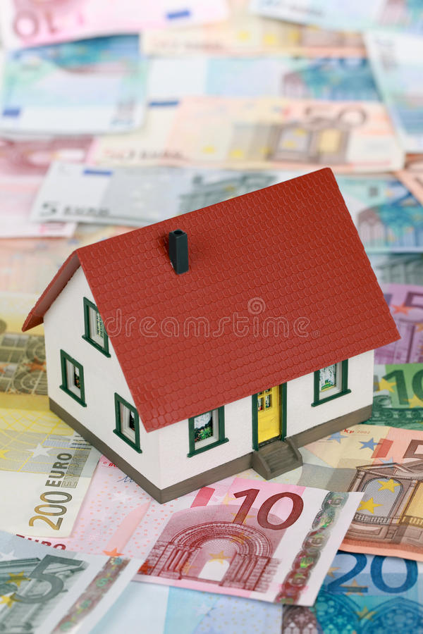 Symbol For Home Financing (Euro) Royalty Free Stock Photography