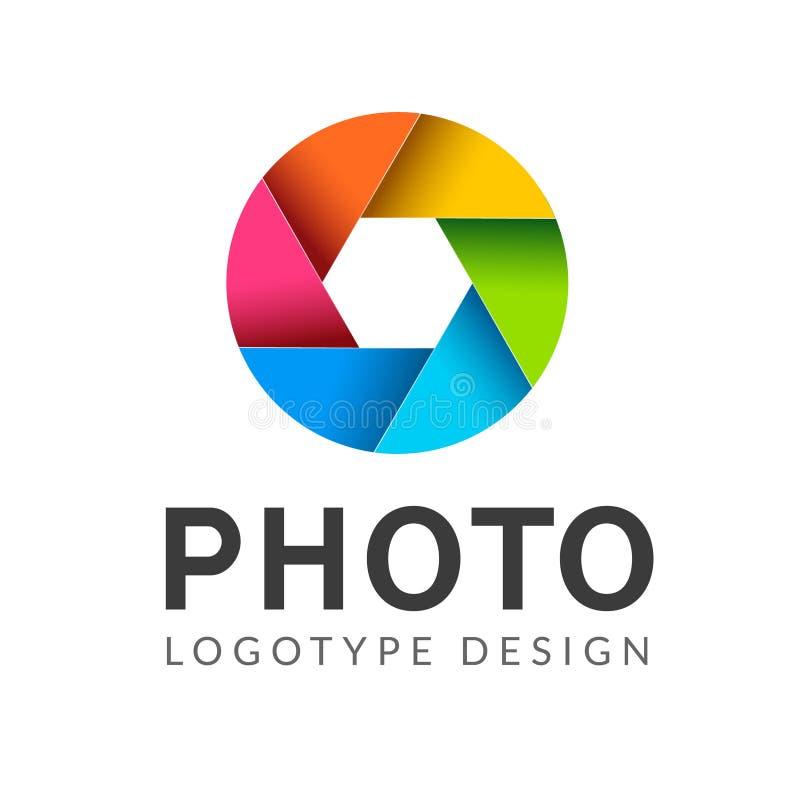 Symbole créatif de vecteur moderne de calibre de logo de photographie Élément de conception d'icône de caméra de lentille de vole illustration stock