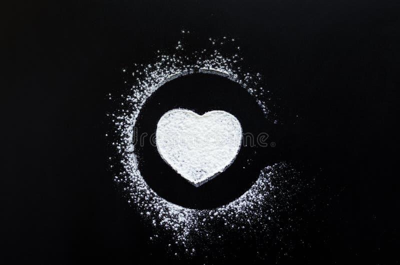 Symbole Damour De Coeur Sur Le Tableau Noir Photo Stock