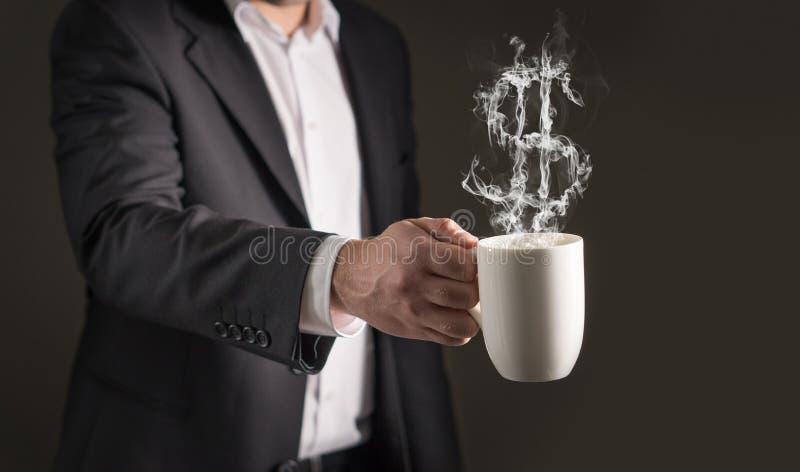 Symbole dollar de vapeur de café Fumée formant un symbole d'argent images stock