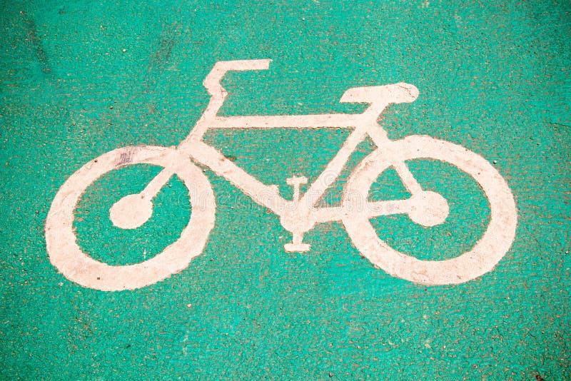 Symbole pour indiquer la route pour des bicyclettes veuillez partager la route pour le vélo images stock
