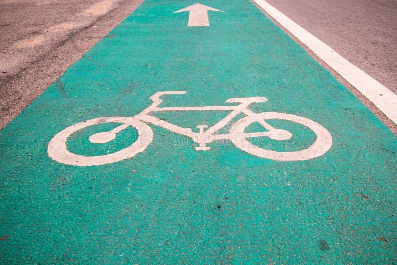 Symbole pour indiquer la route pour des bicyclettes veuillez partager la route pour le vélo image stock