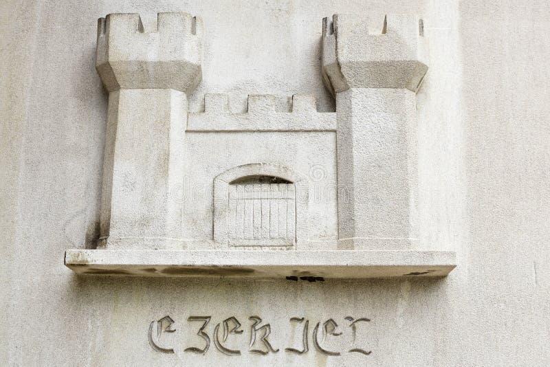 Symbole religieux de château sur le fond blanc photographie stock