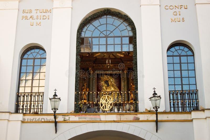 Symbolen vår dam av porten av gryning i Vilnius, Litauen royaltyfri bild