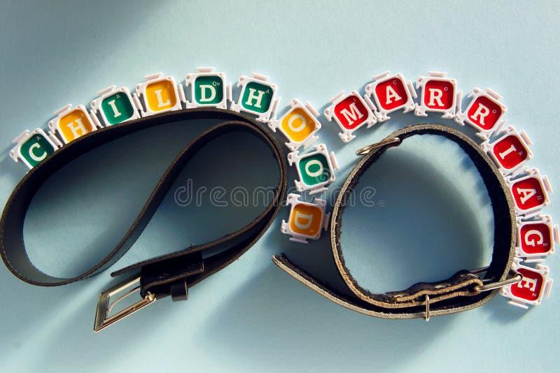 Symbolen van slechte kinderjaren en slecht huwelijk royalty-vrije stock foto