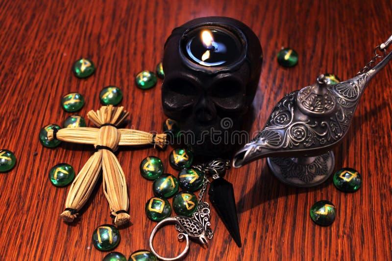 Symboles ésotériques occultes rituels de magie noire image libre de droits