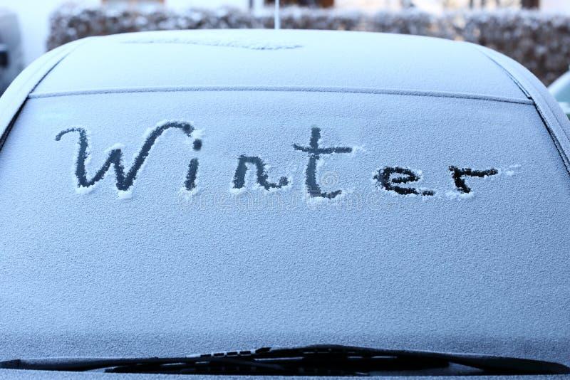 Download Symboliczna Zima Na Samochodzie Obraz Stock - Obraz złożonej z tekst, metafora: 106907685