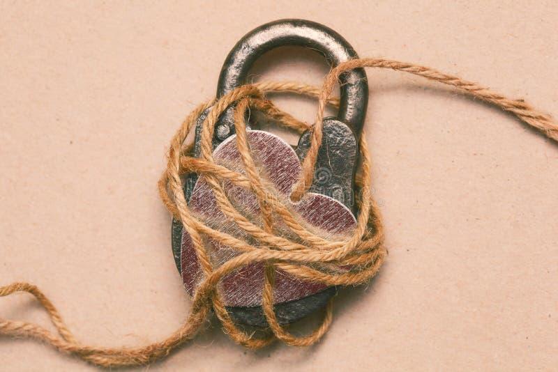 Symbolische foto aan de dag van St Valentine Liefde, Romaans en affectie Het symbool van de liefde royalty-vrije stock foto