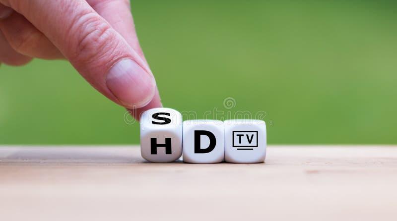 Symbool van de verandering van HD-TV in 4K-TV stock afbeeldingen