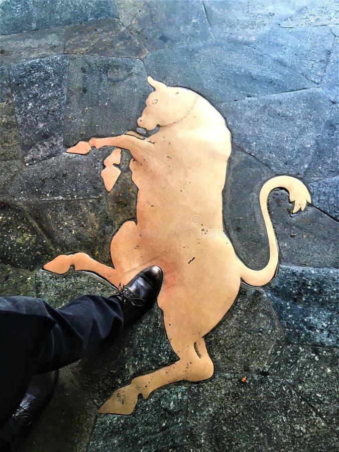 Symbool van goed geluk in de stad van Turijn, Italië Stier en embleem stock fotografie
