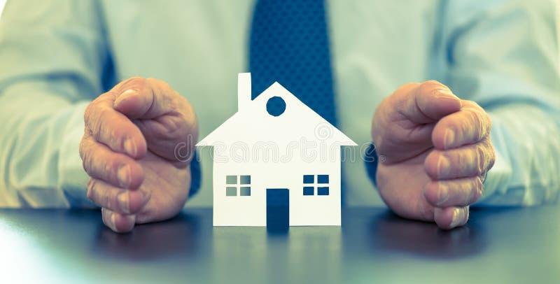 Symbool van huisverzekering, kleureneffect stock afbeelding