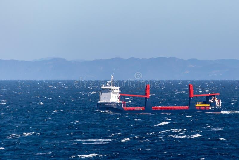 Symfoni gwiazda, Ogólnego ładunku naczynie, żegluje przez Atlantyckiego ocean fotografia royalty free