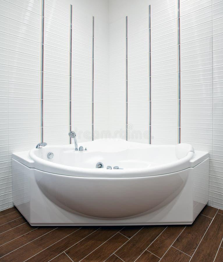 Symmetrical view of bathroom