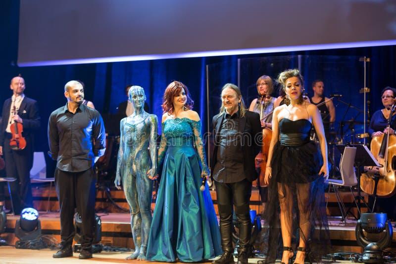 Symphonica - widowisko z muzyką Metallica, nirwana, Perełkowy dżem, Zgłębia - purpury, AC/DC, Aerosmith zdjęcie stock