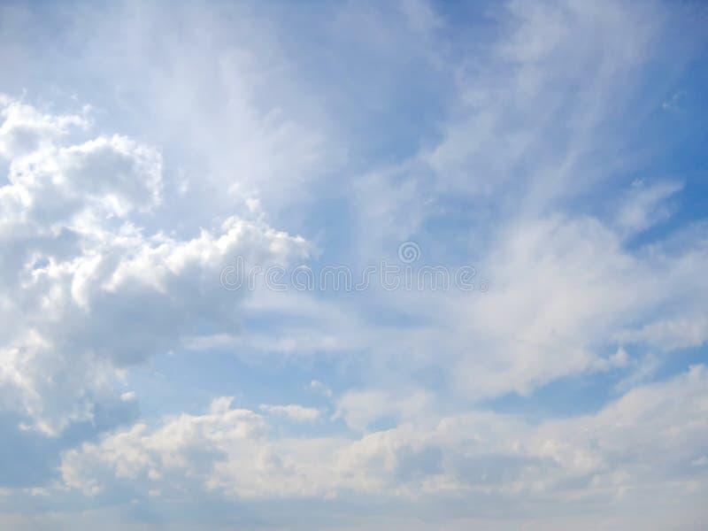 Symphonie des nuages ce jour images libres de droits