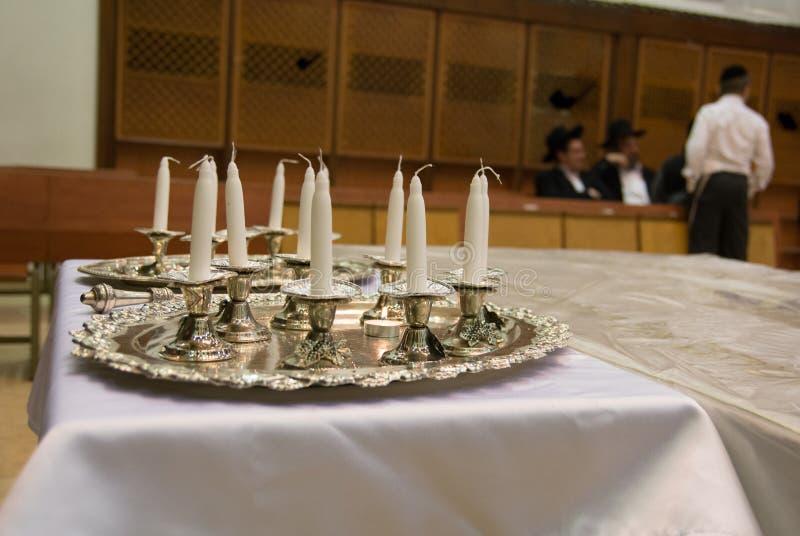 Synagoga i Hanukkah świeczki Żydowski Judaica fotografia royalty free