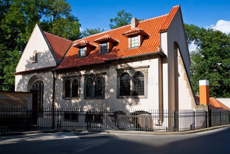 Synagoga - judiskt tempel i Prague arkivbild