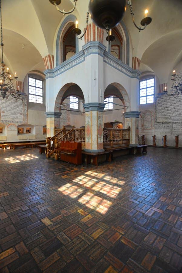 Synagogebinnenland stock foto