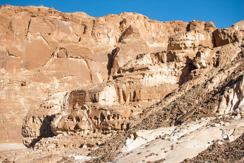 Synaj pustynia w Egipt Skały góry przetwarzać czasem obraz stock