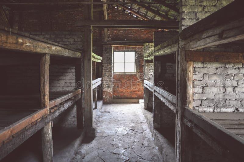 Sypialna koja w koszarach Auschwitz, Birkenau koncentracyjny obóz -, Polska zdjęcia stock