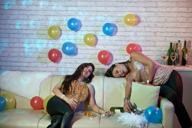 Sypialne partyjne dziewczyny zdjęcia stock