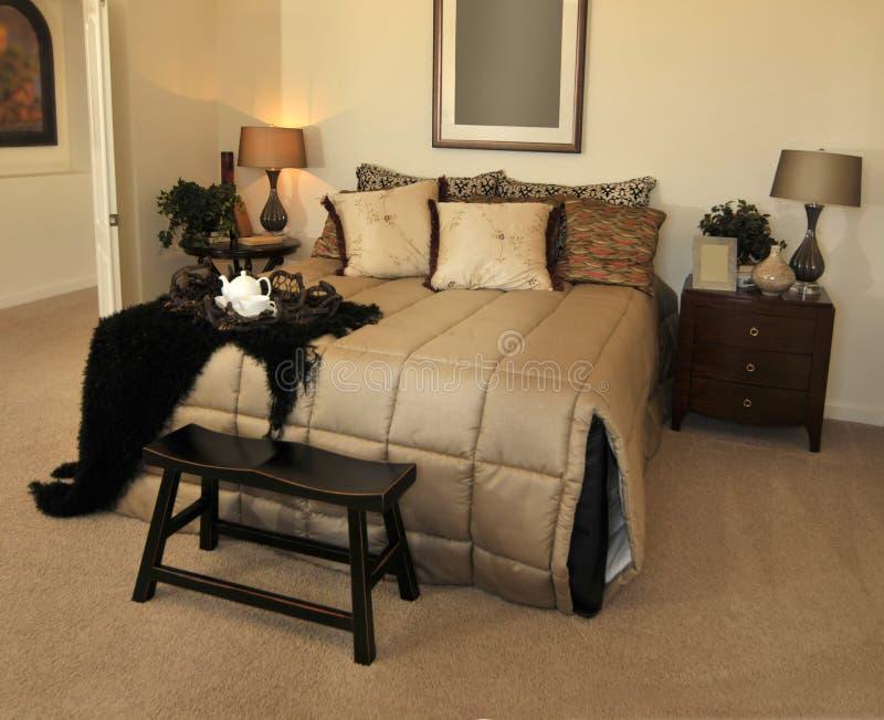 sypialni ampuła wygodna zapraszająca zdjęcie stock