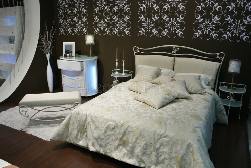 sypialnia brown white zdjęcia royalty free