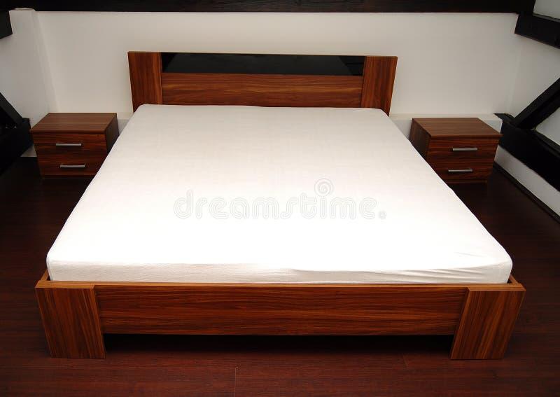 sypialnia drewniana zdjęcie royalty free