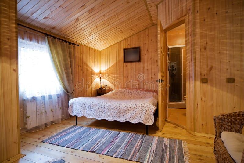 sypialnia drewniana fotografia royalty free