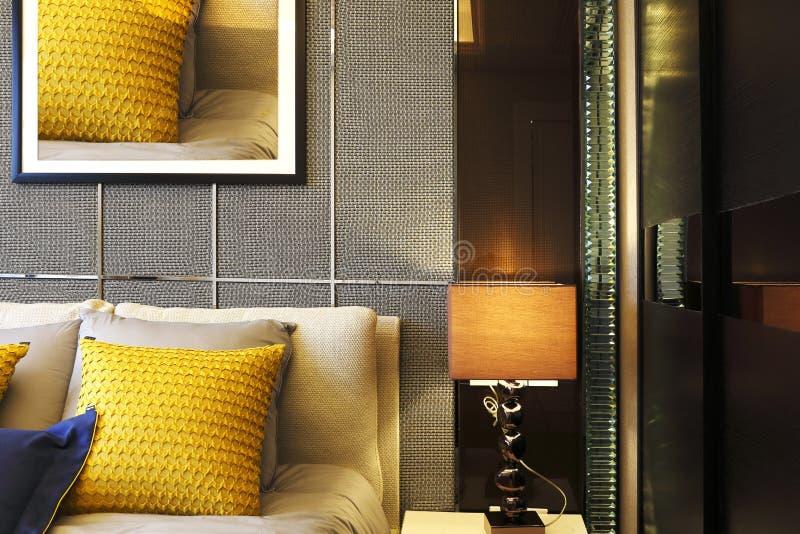 Sypialnia z skocznym i jaskrawym kolorem obrazy royalty free