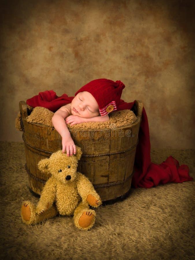 Sypialny dziecko i miś obraz royalty free