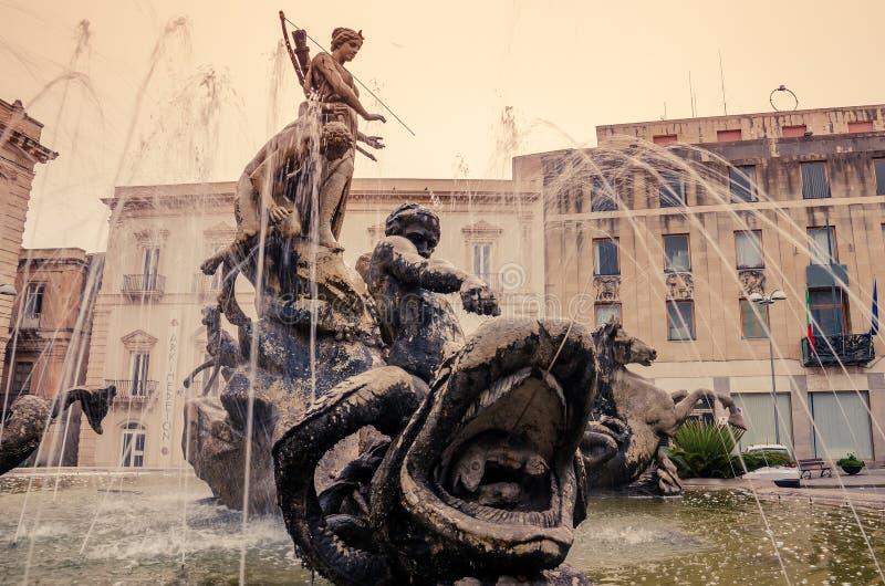 Syracuse, Sicile, Italie : Place d'Archimede photos libres de droits