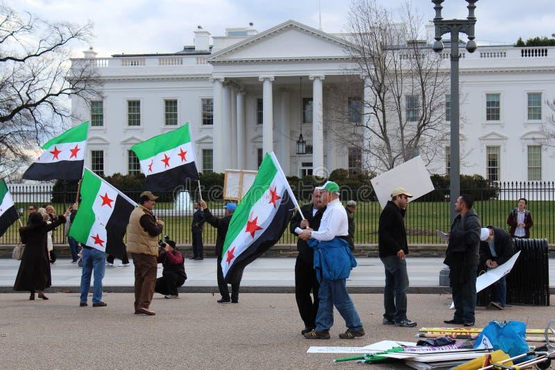 Syria protest przed bielu domem fotografia stock