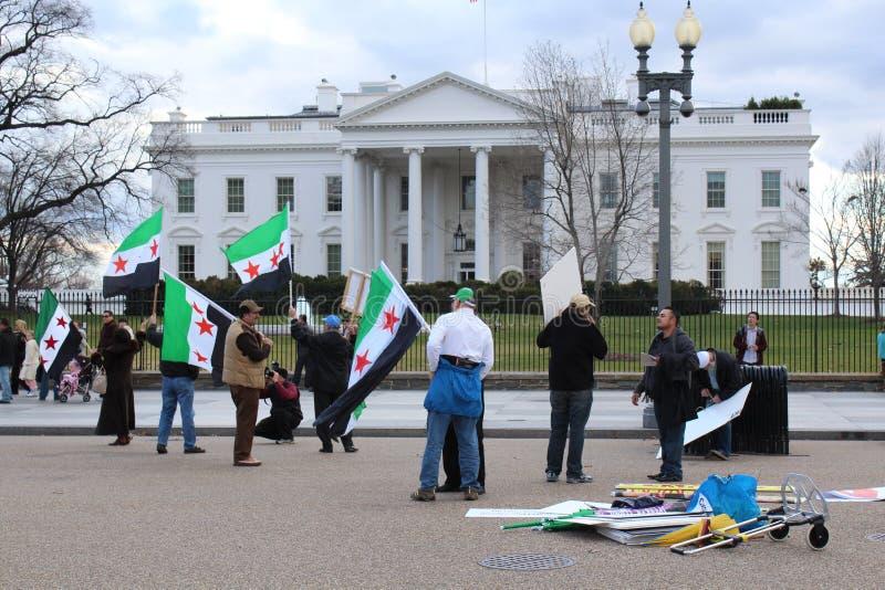 Syria protest przed bielu domem zdjęcia royalty free