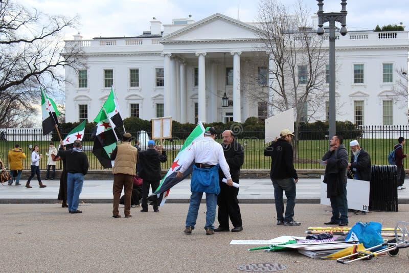 Syria protest przed bielu domem zdjęcia stock