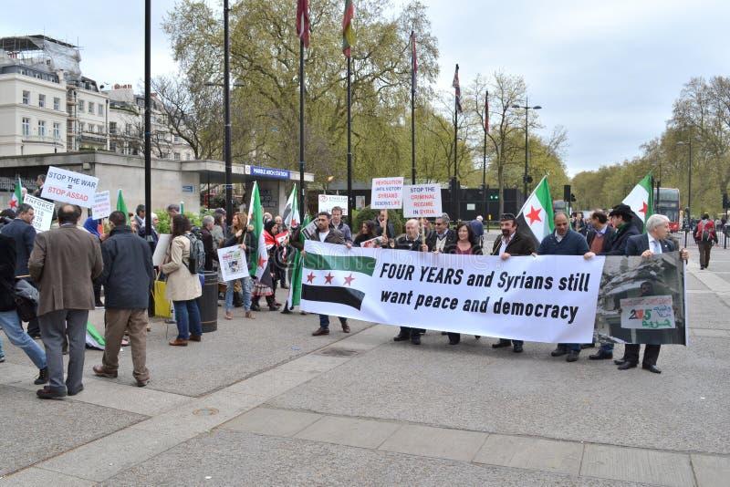 Syrische demonstratie tegen het regime van Assad stock fotografie
