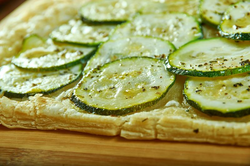 Syrlig zucchini arkivfoton