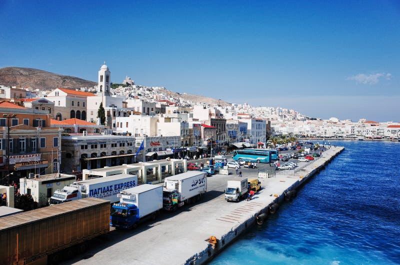 Syros port på den Ermoupolis staden, Syros eller Siros eller Syra, Grekland royaltyfria bilder