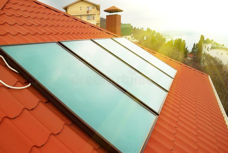Système de chauffage solaire de l'eau image libre de droits