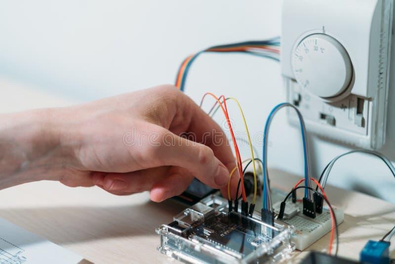 Système de contrôle à la maison intelligent d'ingénierie de technologie photos stock