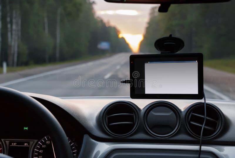 Système de navigation sur le pare-brise de la voiture images libres de droits