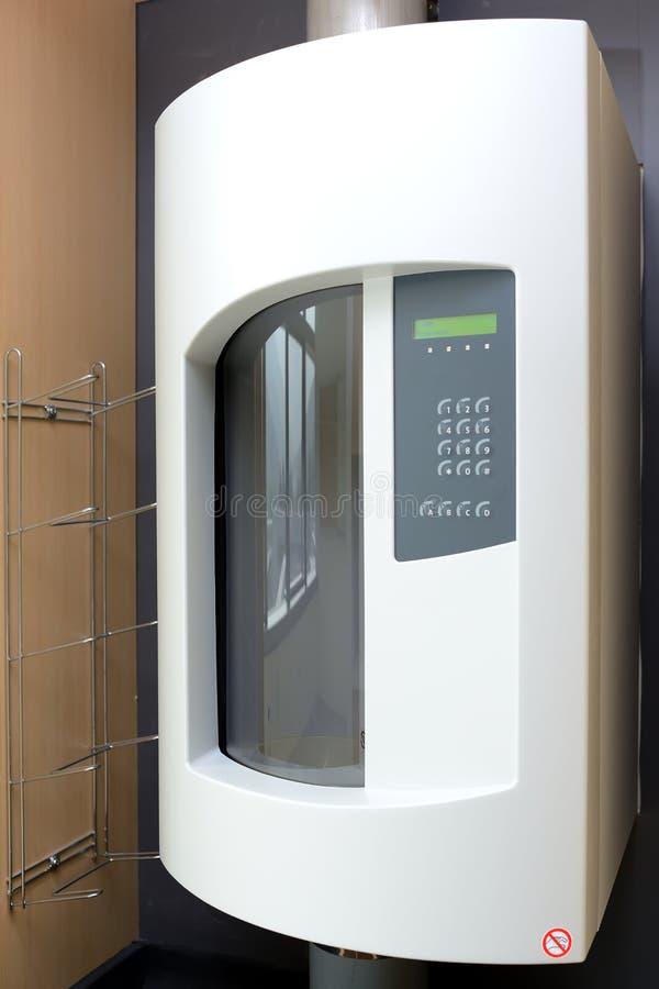 Systèmes de tube pneumatique dans les hôpitaux photo libre de droits