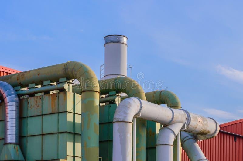 System der Filtration einer Fabrik lizenzfreie stockfotografie